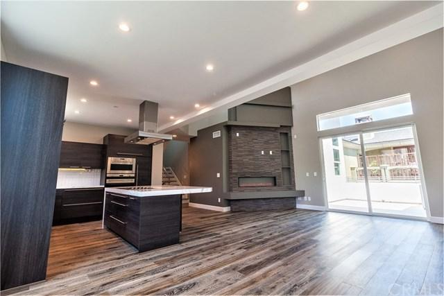 2415 Carnegie Lane B, Redondo Beach, CA 90278 (#SB17188520) :: RE/MAX Estate Properties