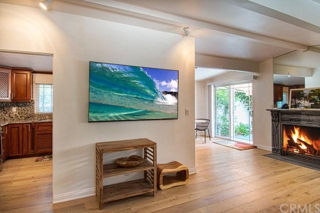 153 Del Mar Avenue, Costa Mesa, CA 92627 (#NP17191727) :: DiGonzini Real Estate Group