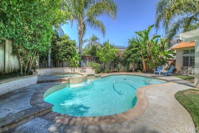 24589 Grand Oak, Murrieta, CA 92562 (#SW17190665) :: RE/MAX Estate Properties