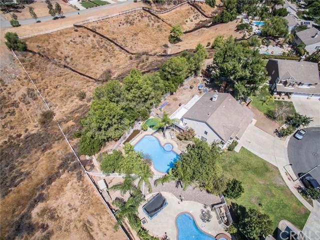 3725 Plantation Circle, Corona, CA 92881 (#SW17194805) :: Kristi Roberts Group, Inc.