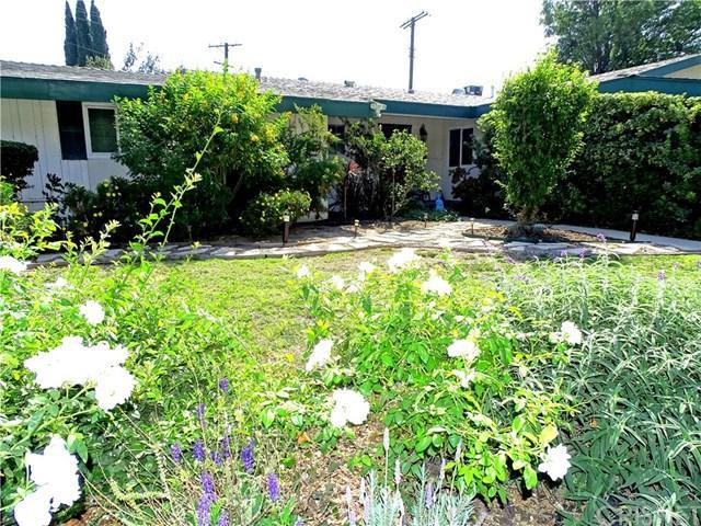17030 Signature Drive, Granada Hills, CA 91344 (#SR17235290) :: Fred Sed Realty