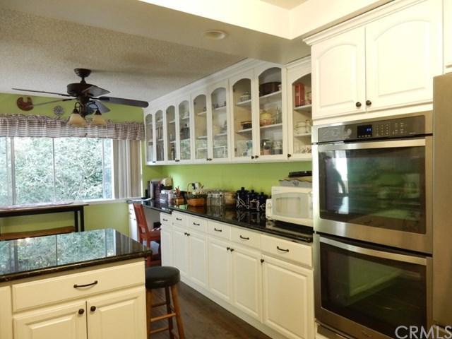 5700 Ravenspur Drive #107, Rancho Palos Verdes, CA 90275 (#SB17236165) :: Erik Berry & Associates