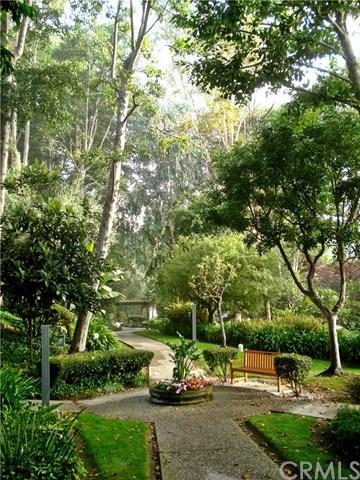 3601 W Hidden Lane #319, Rolling Hills Estates, CA 90274 (#PW17232815) :: Erik Berry & Associates