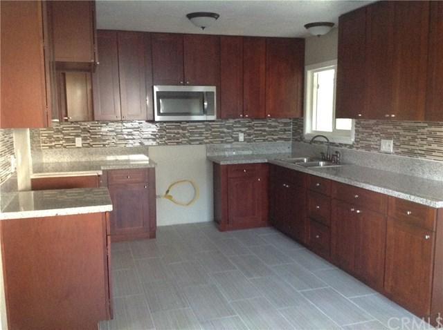 431 W Chaparral Street, Rialto, CA 92376 (#CV17237478) :: Mainstreet Realtors®