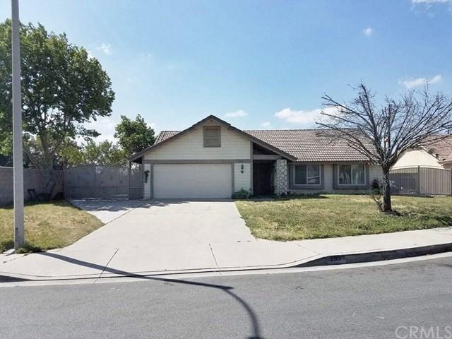 295 E Cascade Drive, Rialto, CA 92376 (#CV17238150) :: Mainstreet Realtors®