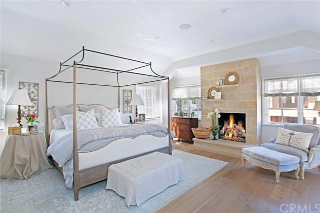 204 Emerald Avenue, Newport Beach, CA 92662 (#NP17243164) :: Teles Properties | A Douglas Elliman Real Estate Company