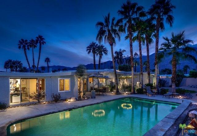 2222 E Park Drive, Palm Springs, CA 92262 (#17284398PS) :: Realty Vault