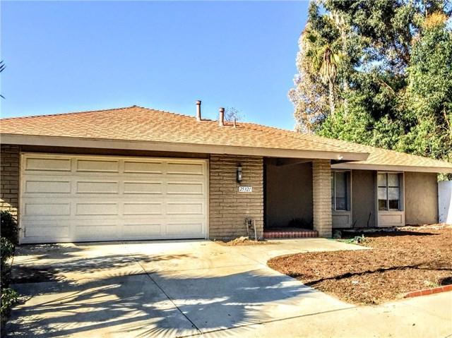 25321 Pericia Drive, Mission Viejo, CA 92691 (#OC17265082) :: DiGonzini Real Estate Group