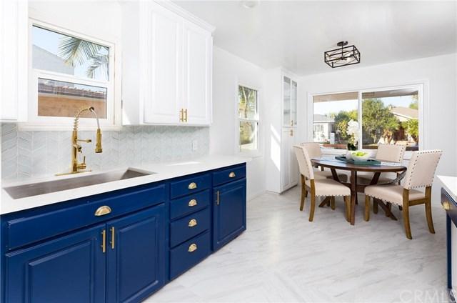 4752 W 134th Street, Hawthorne, CA 90250 (#OC17267604) :: Erik Berry & Associates