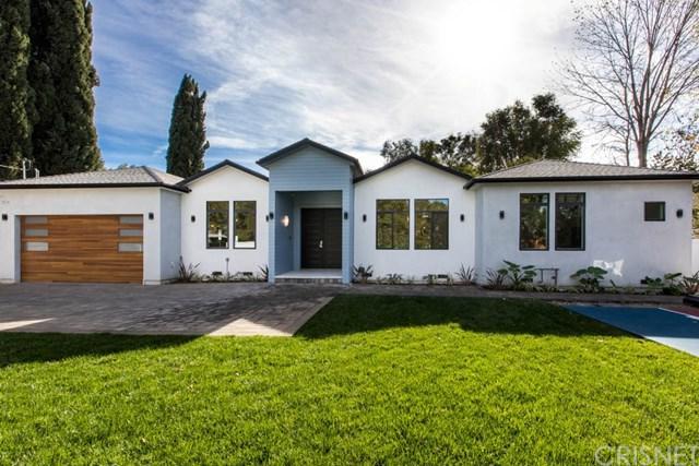 13834 Califa Street, Valley Glen, CA 91401 (#SR17271182) :: Prime Partners Realty