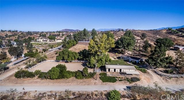 35092 Calle Campo, Temecula, CA 92592 (#SW17272052) :: The Val Ives Team