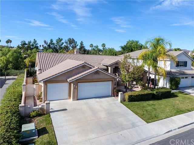 39987 Via Espana, Murrieta, CA 92562 (#SW18014699) :: RE/MAX Estate Properties