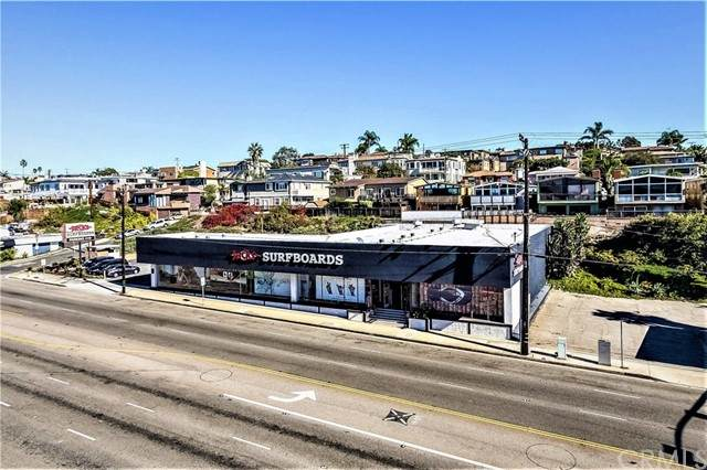 1630 Pacific Coast Highway, Hermosa Beach, CA 90254 (#SB18015725) :: Blake Cory Home Selling Team
