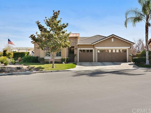 24060 Nobe Street, Corona, CA 92883 (#PW18038080) :: The DeBonis Team