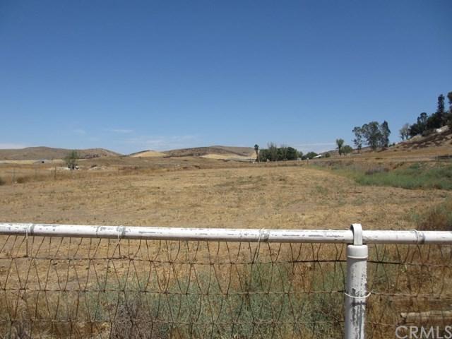 32750 Keller Road, Winchester, CA 92596 (#SW18041194) :: Dan Marconi's Real Estate Group
