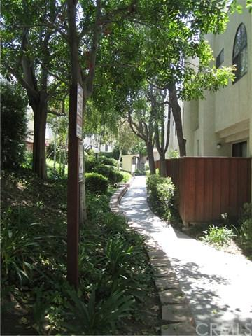 13825 Beaver Street #33, Sylmar, CA 91342 (#IV18050454) :: Fred Sed Realty