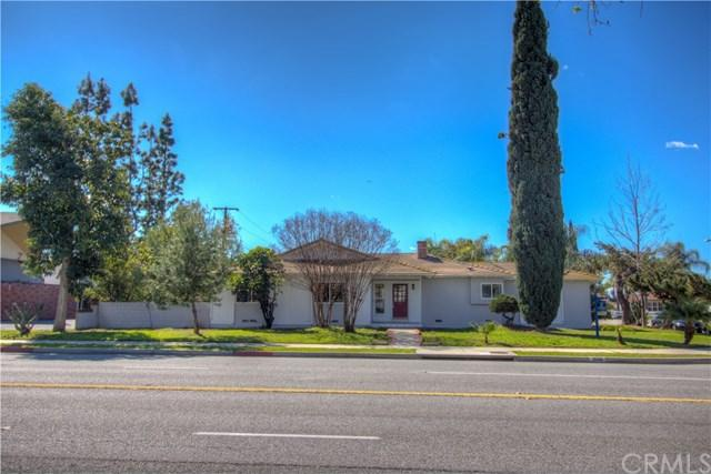 1040 E Cameron Avenue, West Covina, CA 91790 (#IV18052150) :: The Avellan Group