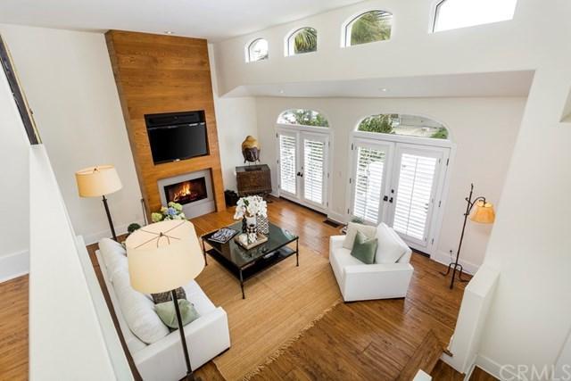 2313 Pine Avenue, Manhattan Beach, CA 90266 (#SB18059356) :: RE/MAX Empire Properties