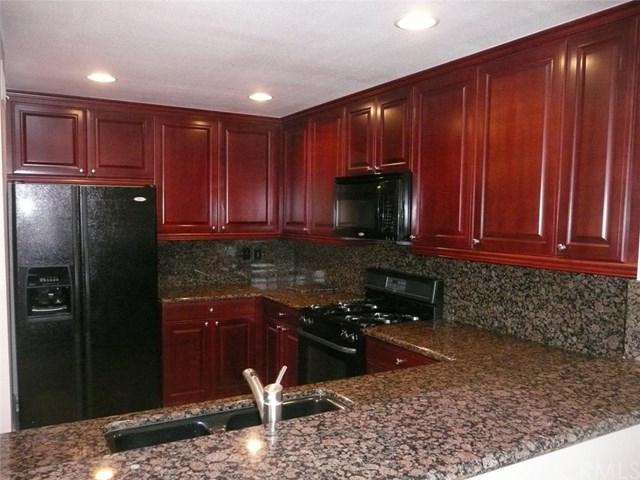 25652 Rimgate Drive 8F, Lake Forest, CA 92630 (#OC18057145) :: DiGonzini Real Estate Group
