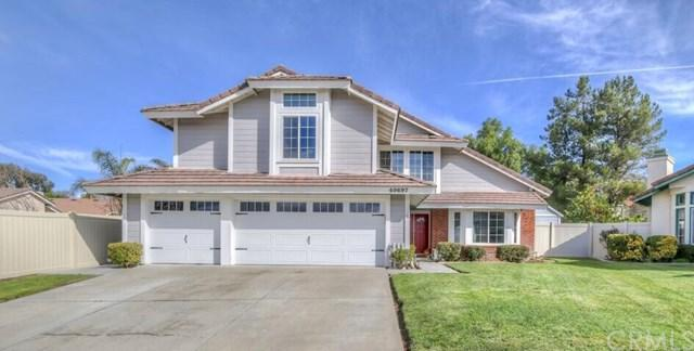 40697 Pocona Place, Murrieta, CA 92562 (#SW18062186) :: Kristi Roberts Group, Inc.