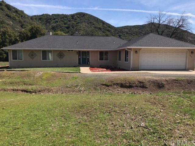 7900 Scotts Valley Road, Lakeport, CA 95453 (#LC18064781) :: Barnett Renderos