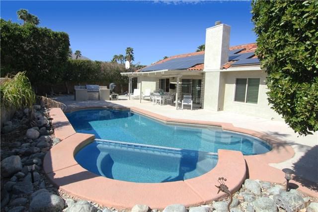 1425 E Luna Way, Palm Springs, CA 92262 (#OC18068658) :: Impact Real Estate