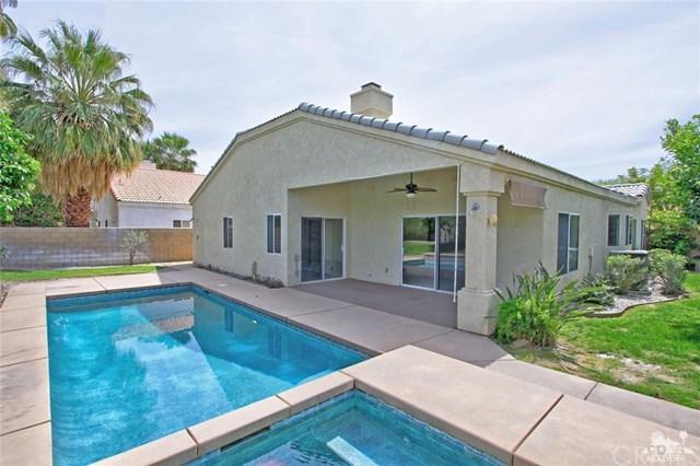 41115 Carlotta Drive, Palm Desert, CA 92211 (#218010402DA) :: Barnett Renderos