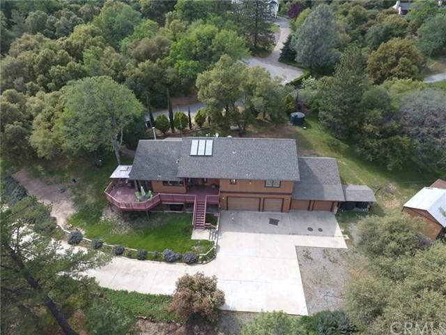 50015 Leaning Pine Lane, Oakhurst, CA 93644 (#FR18075196) :: RE/MAX Empire Properties