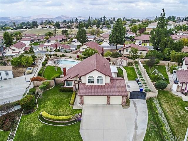1279 Tolkien Road, Riverside, CA 92506 (#IV18088311) :: Bauhaus Realty