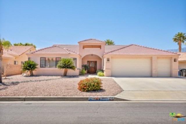 9021 Warwick Drive, Desert Hot Springs, CA 92240 (#18334774PS) :: Barnett Renderos
