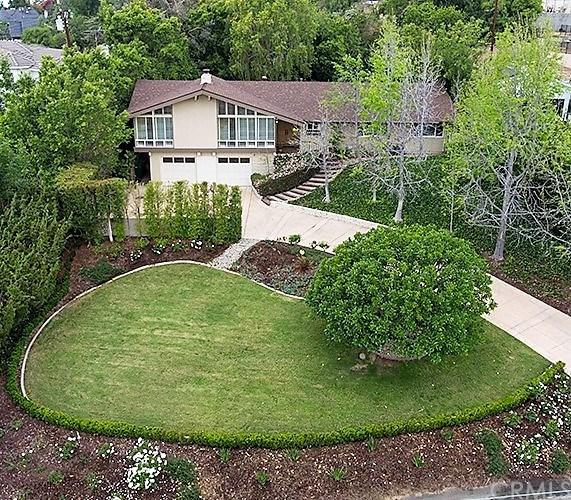 13001 Barrett Lane, North Tustin, CA 92705 (#PW18090805) :: Kristi Roberts Group, Inc.