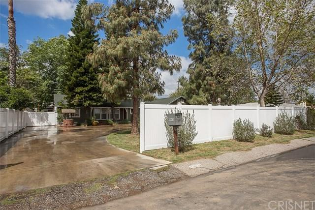 7945 Balboa Boulevard, Lake Balboa, CA 91406 (#SR18092042) :: The Brad Korb Real Estate Group