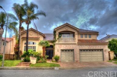24915 Vista Verenda, Woodland Hills, CA 91367 (#SR18092392) :: Barnett Renderos