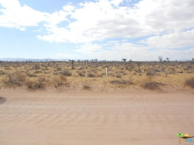 0 Junipero Trail, Yucca Valley, CA 92285 (#18336230PS) :: The Laffins Real Estate Team