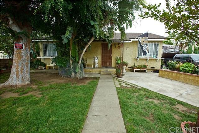 1054 N Huntington Street, San Fernando, CA 91340 (#SR18097482) :: Fred Sed Group