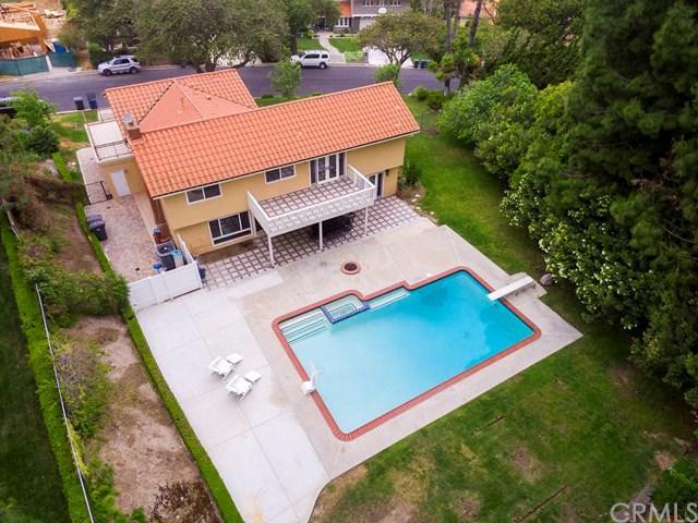 30 Club View Lane, Rolling Hills Estates, CA 90274 (#SB18118790) :: Barnett Renderos