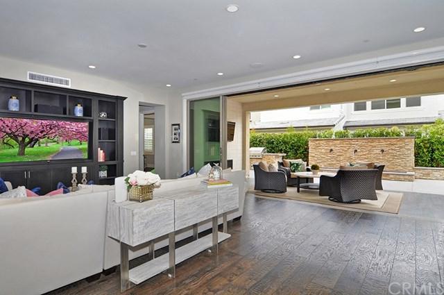 22 Meadow Place, Tustin, CA 92782 (#OC18139570) :: Teles Properties | A Douglas Elliman Real Estate Company