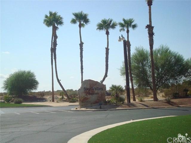 74711 Dillon Road #422, Desert Hot Springs, CA 92241 (#218022732DA) :: Barnett Renderos