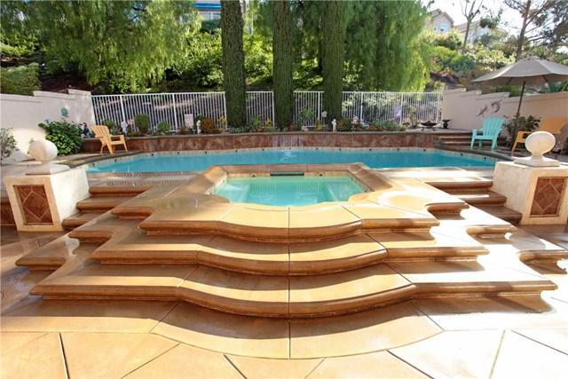 54 Viaggio Lane, Lake Forest, CA 92610 (#OC18224665) :: Berkshire Hathaway Home Services California Properties