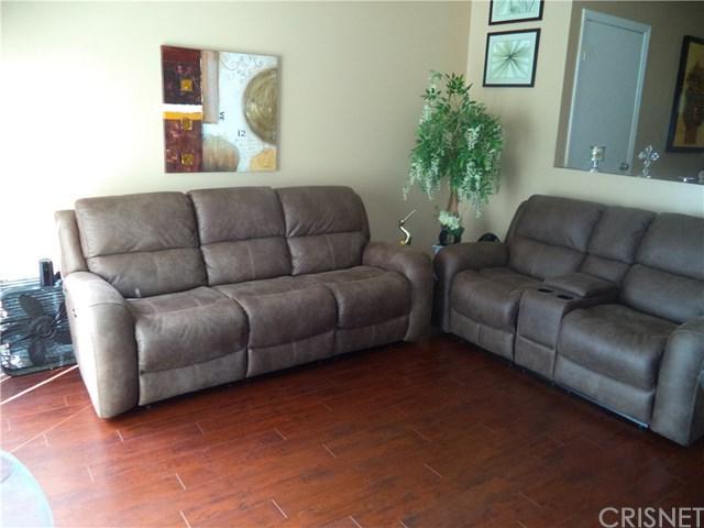 6525 Woodman #10, Van Nuys, CA 91401 (#SR18225806) :: The Laffins Real Estate Team