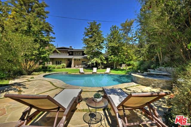 3931 Oeste Avenue, Studio City, CA 91604 (#18386078) :: The Laffins Real Estate Team