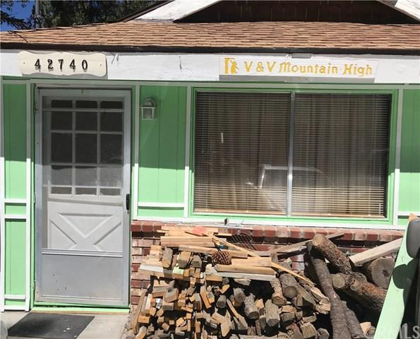 42740 Willow Avenue, Big Bear, CA 92315 (#CV18228018) :: Barnett Renderos