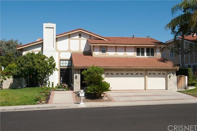 4430 Dulcinea Court, Woodland Hills, CA 91364 (#SR18229442) :: Barnett Renderos