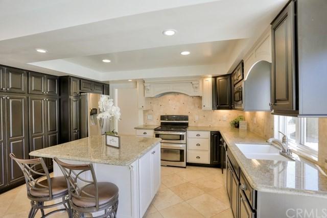 2302 Silk Tree Drive, Tustin, CA 92780 (#OC18229562) :: Berkshire Hathaway Home Services California Properties