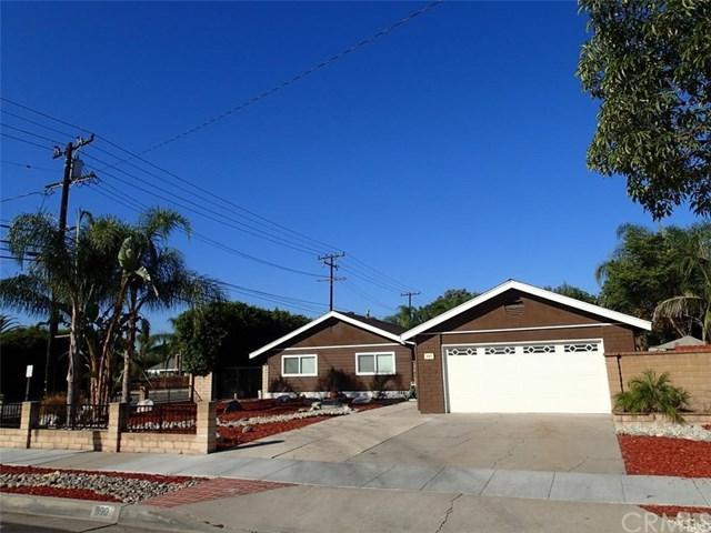 890 S Newhaven Drive, Orange, CA 92869 (#IV18252971) :: The Darryl and JJ Jones Team
