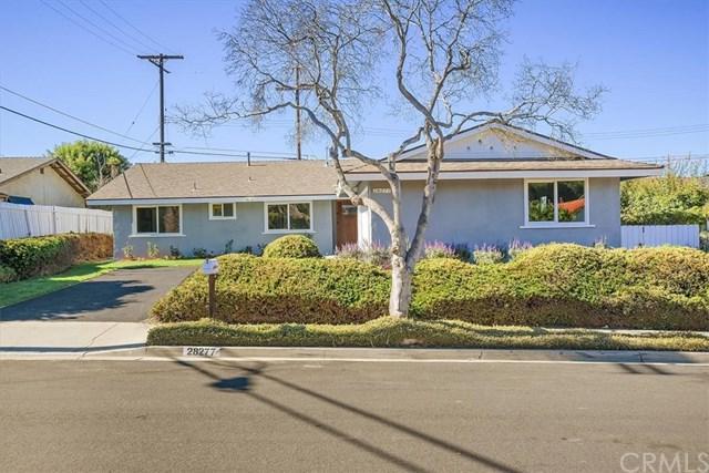 28277 Trailriders Drive, Rancho Palos Verdes, CA 90275 (#PV18254809) :: Barnett Renderos