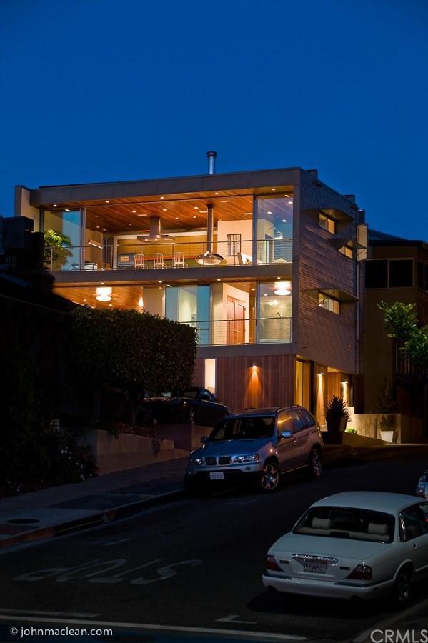 217 9th Street, Manhattan Beach, CA 90266 (#PW18248236) :: Fred Sed Group