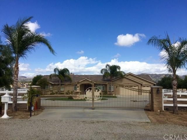 21900 Highland Street, Wildomar, CA 92595 (#SW18269567) :: California Realty Experts