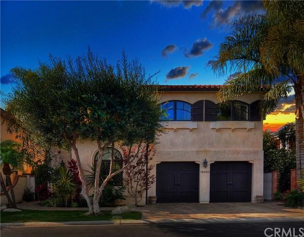 19265 Woodlands Drive, Huntington Beach, CA 92648 (#OC18273504) :: Scott J. Miller Team/RE/MAX Fine Homes