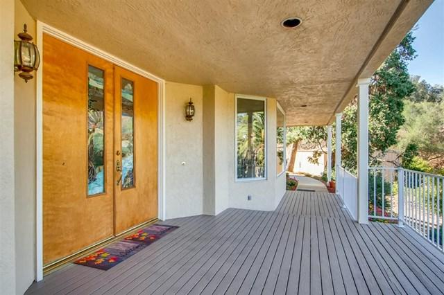 2690 Canyon Crest Dr, Escondido, CA 92027 (#180063480) :: Fred Sed Group